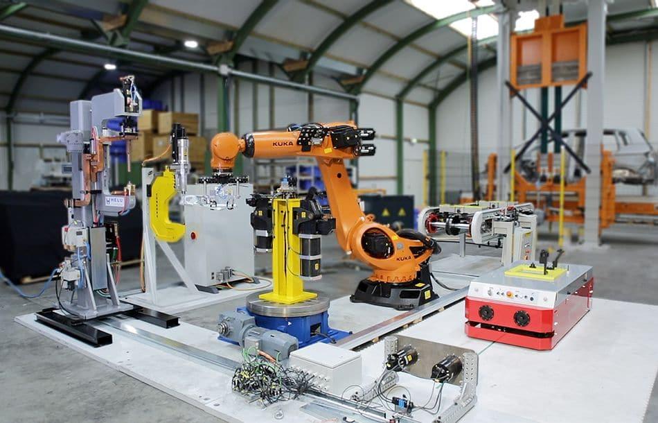 Automatisierte Fertigungszelle in Action