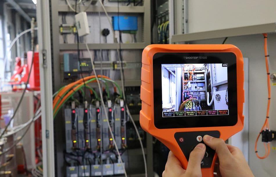 Mit Temperatur-Konturen-Kamera Fehler an Maschinen und elektrischen Anlagen erkennen