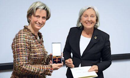 Bundesverdienstkreuz für Renate Pilz