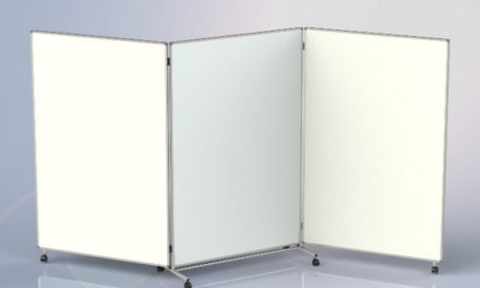 Corona-Schutzmaßnahmen: mobile Faltwand schafft Distanz