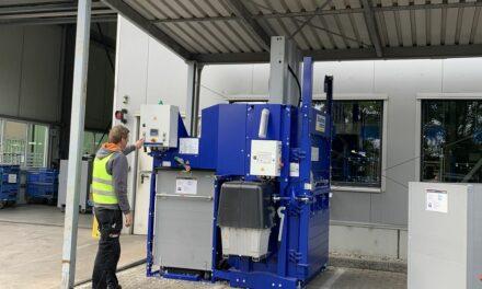 Papierpresse in bestehende Prozesse integriert